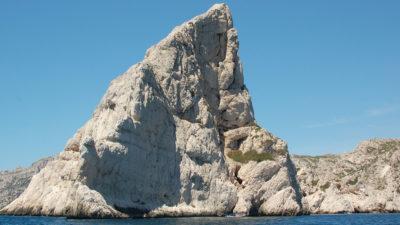 Mini-stage voile, navigation en voilier dans les Calanques de Marseille